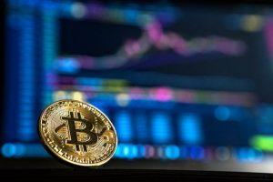 McAfee wirbt weiterhin für Bitcoin